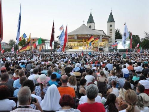 Nuncij Pezzuto otvara, a kardinal Puljić zatvara ovogodišnji Mladifest u Međugorju