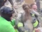 VIDEO: Djevojčica spašena iz ruševina 17 sati nakon potresa u Italiji
