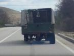 Vožnja kamiona bez jednog kotača livanjskim krajem