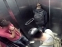 VIDEO: Proljev ga uhvatio u liftu