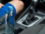 Ne pijte vodu ili sokove iz plastičnih boca koje su stajale u autu