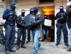 Policijska racija u džamiji, osumnjičen imam za pomoć džihadisti