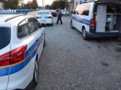 U Lici uhvaćen policajac iz Zagreba, u kombiju švercao 18 migranata