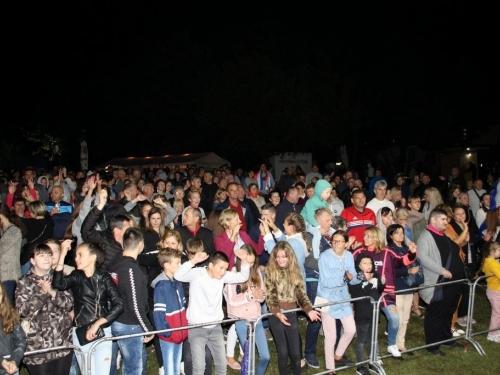 FOTO: U etno selu Remić održan veliki koncert Mate Bulića i prijatelja