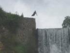 VIDEO: Pogledajte tragični skok Sarajlije sa vodopada u Jajcu!