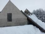 Snijeg i dalje stvara probleme stanovnicima Kupresa