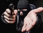 Čapljina: Pljačkaš uz prijetnju pištoljem iz kladionice odnio 1.000 KM