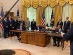 U Bijeloj kući potpisan sporazum između Srbije i Kosova