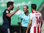 Kako Irancima prenositi utakmicu koju sudi žena?