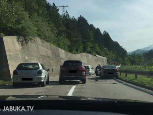 Jablanica: Sudar dvaju automobila na M17