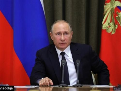 Putin: Utjecaj države na medije treba smanjiti