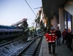 Brojne žrtve stravičnog sudara brzog vlaka