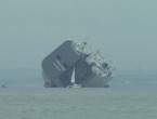 Teretni brod i dalje nasukan, nije pomogla ni visoka plima