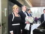 Milanović ispratio predsjednicu Grabar-Kitarović cvijećem i poljupcem