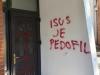 Na župnoj crkvi Sv. Ante u Bihaću osvanuli uvredljivi natpisi