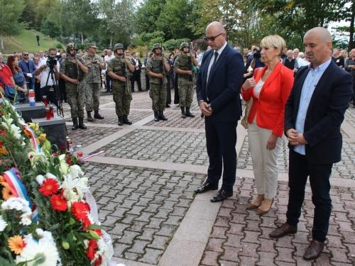 FOTO/VIDEO: Na Uzdolu obilježena 23. obljetnica stravičnog pokolja nad Hrvatima