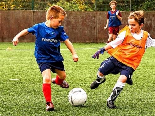 Škoti će zabraniti udaranje lopte glavom na treninzima djece