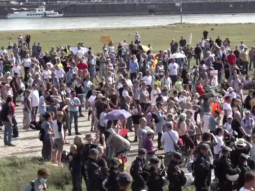 Europa: Nove restrikcije, novi prosvjedi