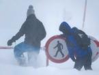 Raste broj poginulih u Austriji, lavina zatrpala tinejdžera