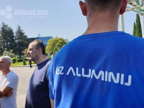 Kraj za Aluminij: Samo mali broj radnika došao na posao