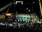 U željezničkoj nesreći u Egiptu poginulo 40 osoba, a spasioci radili selfije