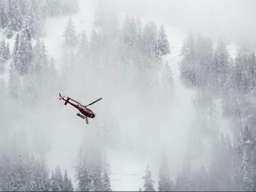 Lavine pogodile skijališta u Austriji i Švicarskoj, traga se za nestalima