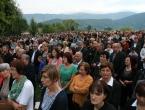 """FOTO: Više tisuća vjernika na misi """"Uočnici"""" na Šćitu"""