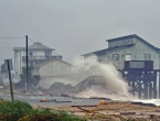 Zastrašujući uragan svom silinom udario u Floridu