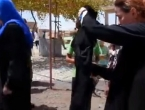 VIDEO: Oslobođenje od ISIL-a - žene pale burke, muškarci se briju