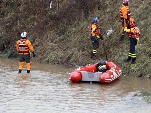 Traga se za 20-godišnjakom koji je vozilom sletio u rijeku Bosnu