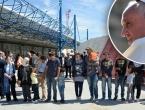 Papa ručao s izbjeglicama, među 21 gostom samo dvoje kršćana