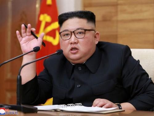Novi ustav proglasio Kima čelnikom države