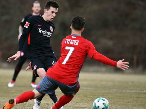Marijan Ćavar debitirao u Eintrachtu