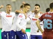 Novi znaci života na Poljudu, Hajduk slavio u jadranskom derbiju