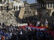Papa Franjo posjetio uništeni irački grad Mosul