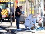 Automobilom se zabio u stajališta autobusa u Marseilleu