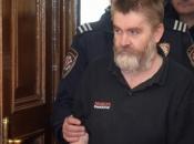 Počelo suđenje ocu koji je bacio djecu s balkona