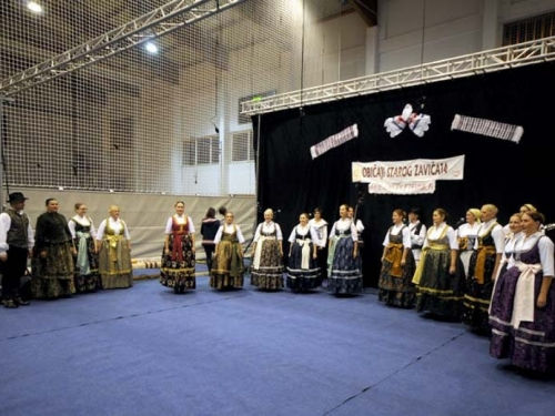 FOTO: Ramci na ''Običajima starog zavičaja'' okupili folkloraše iz tri države
