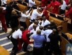 VIDEO: Potukli se zastupnici u južnoafričkom parlamentu