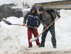 Zašto toliko ljudi umire čisteći snijeg?