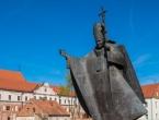 Francuski sud odlučio: Mičite križ sa spomenika Ivanu Pavlu II.
