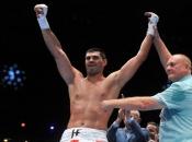 Fantastični Hrgović 'izbombardirao' Bookera i prekidom stigao do 12. profesionalne pobjede