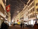 Europljani dočekuju božićne i novogodišnje praznike pod striktnim pravilima