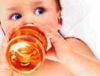 Staklene bočice za hranjenje djece zdravije su od plastičnih
