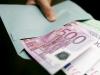 Pronašao u automobilu omotnicu s 5.000 eura pa šokiran zvao policiju