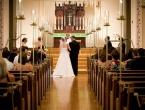 Svećenik o vjenčanjima: U crkvu mlade dolaze polugole, a gosti pijani