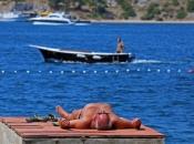 Hrvatska počinje cijepiti turističke radnike; sufinancirat će se i testovi za turiste