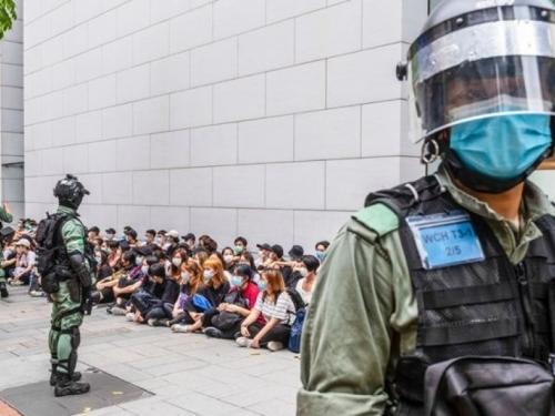 Britanija razmatra omogućavanje državljanstva za 3 milijuna stanovnika Hong Konga