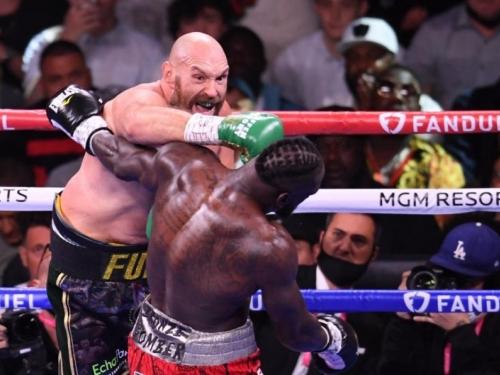 Fury dva puta padao pa se senzacionalno vratio i nokautirao Wildera