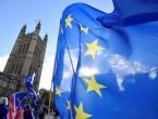 May odbacila pozive da odloži Brexit